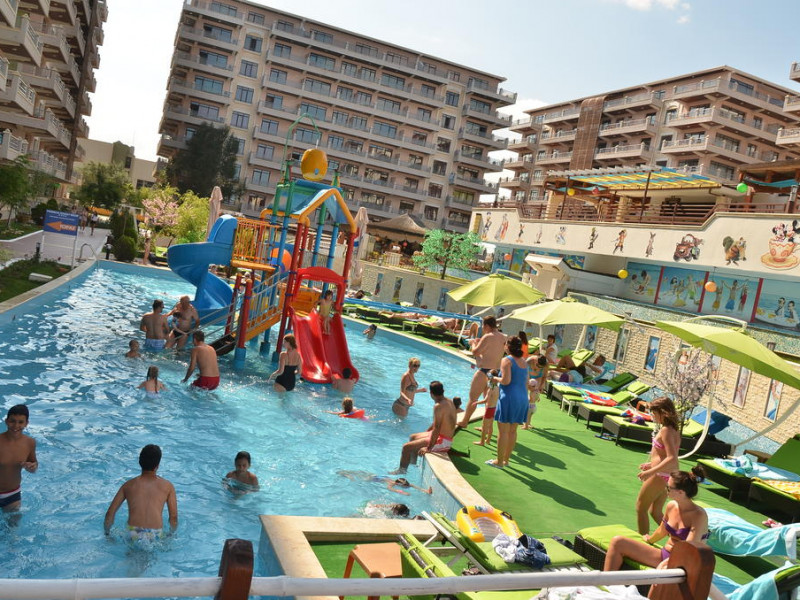 Resort PHOENICIA HOLIDAY