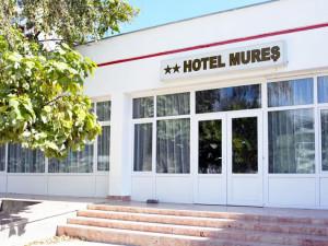 Hotel MURES - Saturn