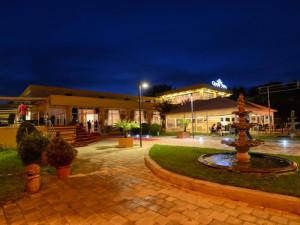 Hotel QUEEN VERA (fostul Palm Beach)
