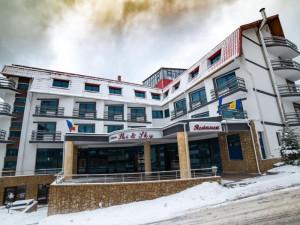 HOTEL ATRIUM COLLECTION  (fostul SKI&SKY)